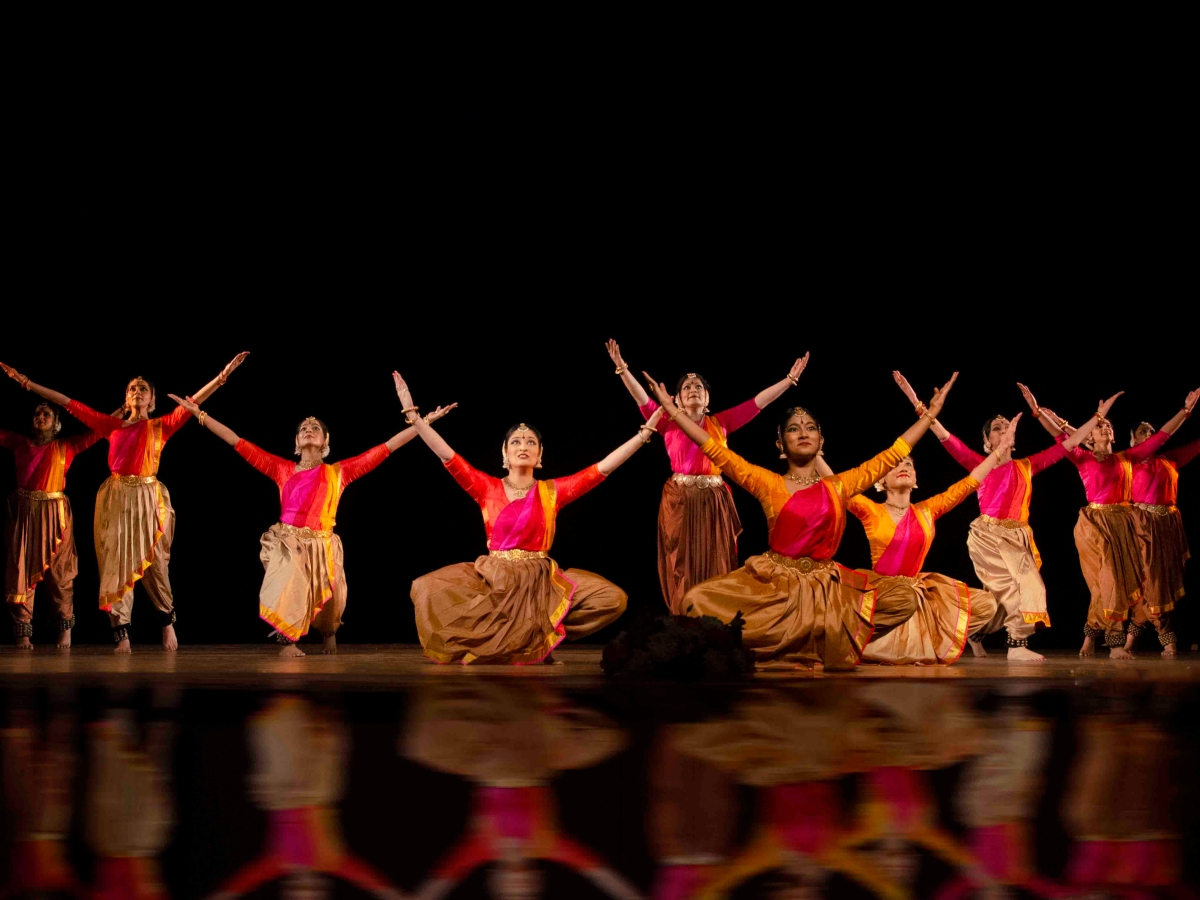 Classical Indian dancers on stage